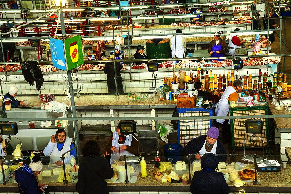 Large market in Podil--Kiev