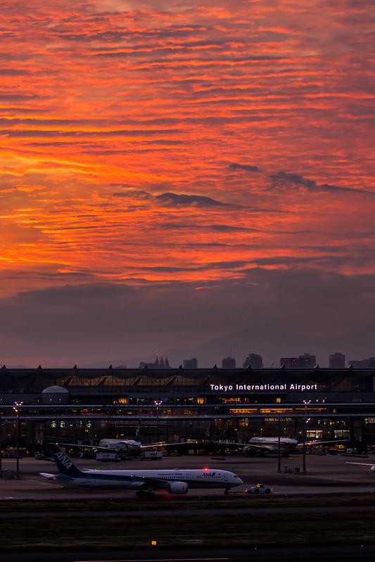 機場上空的雲