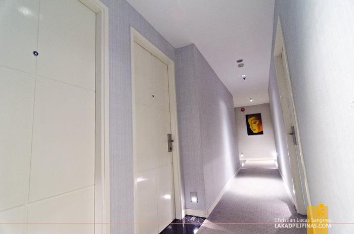 Cosmo Hotel Wan Chai Hallway