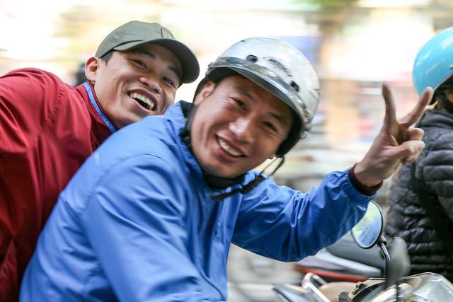 Charming people in Hanoi, Vietnam ハノイのおちゃめな人たち