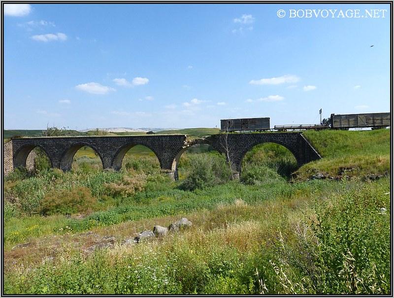 גשר הרכבת הטורקי ב- טיול קצר בצפון הארץ