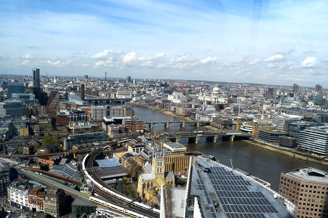 View of London from Hutong, The Shard | www.rachelphipps.com @rachelphipps