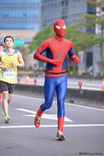 Spiderman in Taipei Marathon (4)