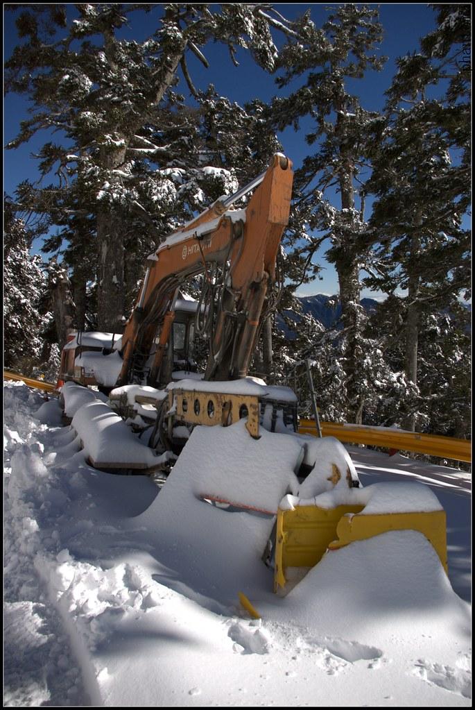 低畫素相機拍的舊雪景
