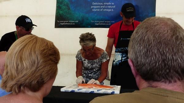 Concours d'enlevage d'arêtes de saumon