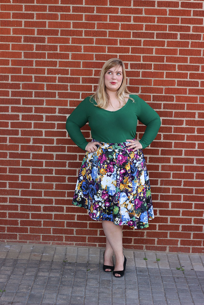 Idle Fancy - Asymmetrical Floral Skirt with Mood Fabrics - KnipMode 10-2015-2052