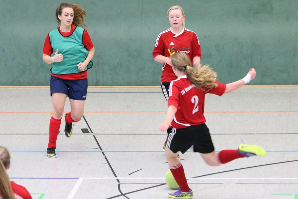 Madchenfussball Endrunde Der B Jugend Fussballerinnen Beim