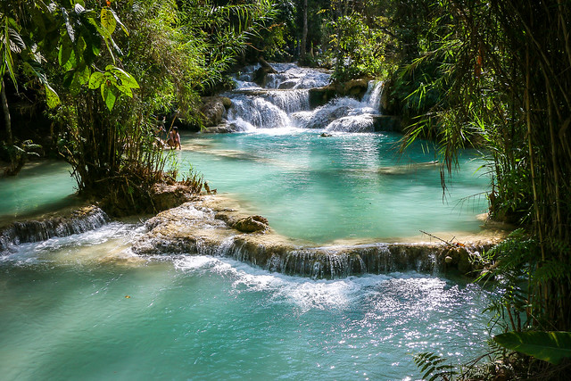 Mystic colors of Kuang Si Falls near Luang Prabang, Laos ルアンパバーン郊外、クアンシーの滝の神秘的な色