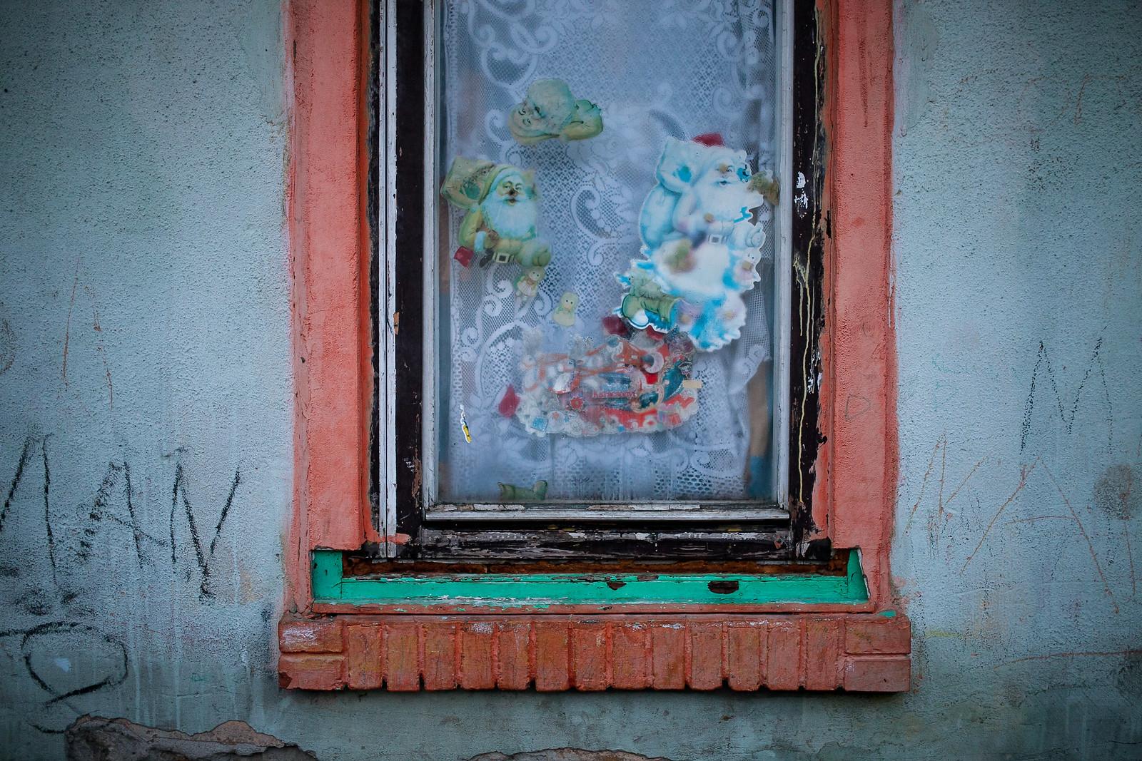 Ablak a miskolci számozott utcák egyikében | Fotó: Magócsi Márton