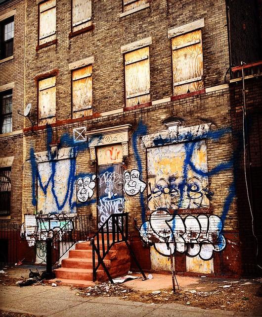 #graffitiart #ghettostyle #innercity #oldschool #newyorkcity1975 #brooklyhistory #brooklyn1978 #contemporaryart #gothamcity #gotham #crownheights #prospectheights #documentaryphotography #architecturalphotography #facadeart #facade