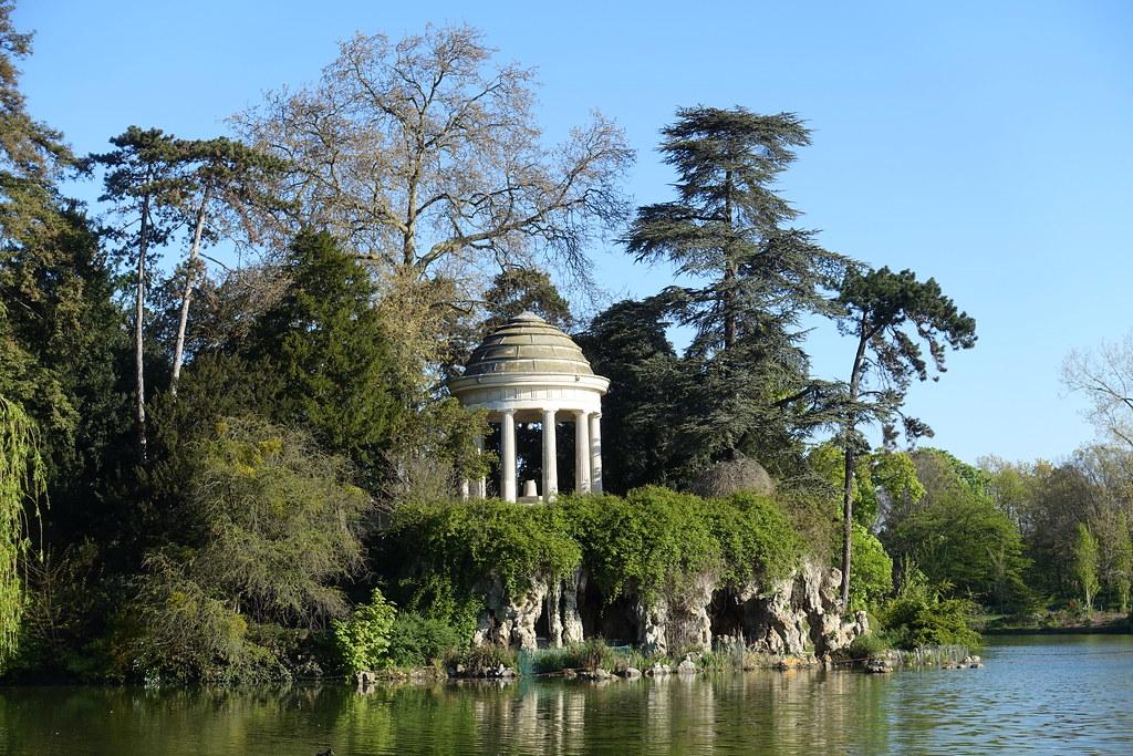 Temple @ Lac Daumesnil @ Bois de Vincennes @ Paris