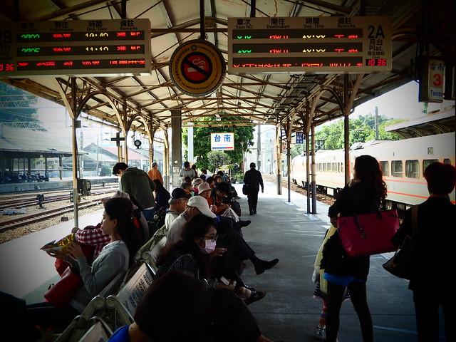 台南駅ホーム
