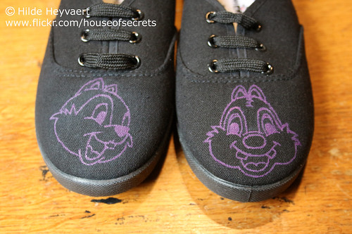 Sneaker mod: Chip and Dale