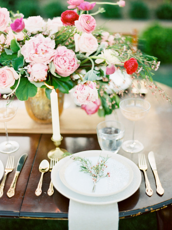 wedding place setting - colorful wedding inspiration