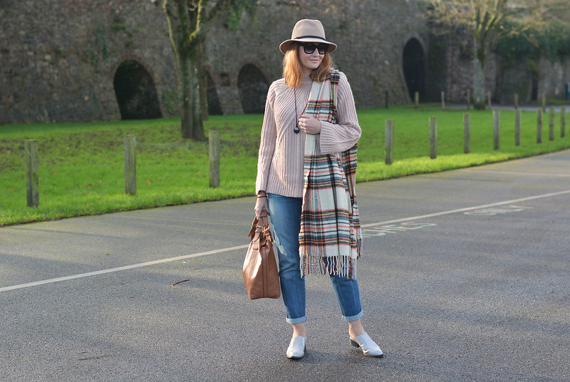 Blush Knitwear, Boyfriend Jeans, Felt Fedora, Tartan Scarf