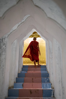 Monk-on-Stairs,-Myanmar