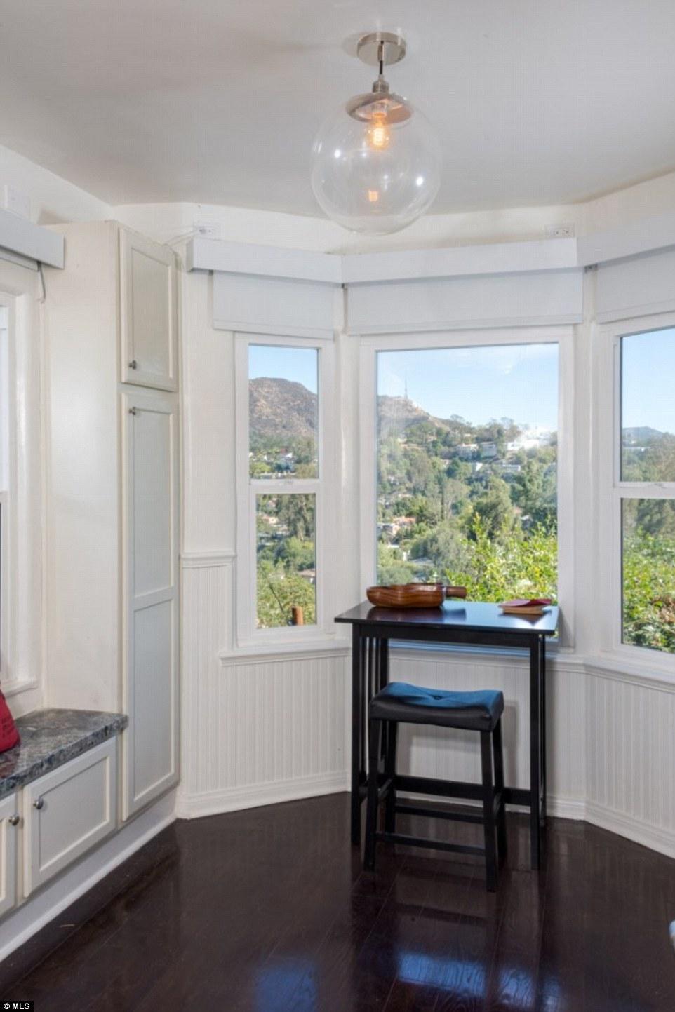 Вид на холмы Голливуда из кона дома Керри Вашингтон