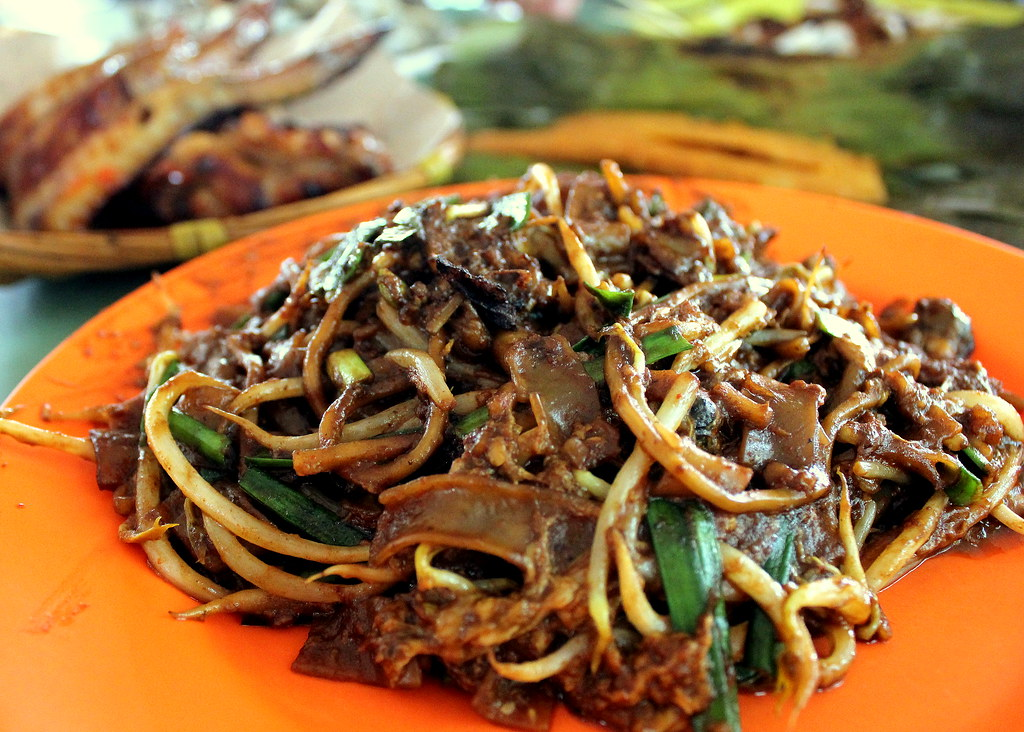Nostalgic Places to Eat in Singapore: Hill Street Fried Kway Teow