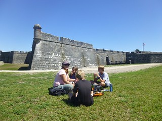 Picnic at the castillo