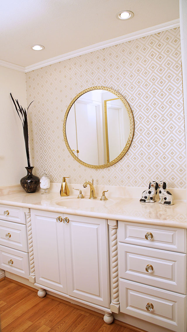 david-hicks-la-fiorentina-master-bathroom-stone-glam-bathroom-interior-design-home-decor-champagne-lifestyle-home-hannah-hagler-before-and-after-bathroom-makeover