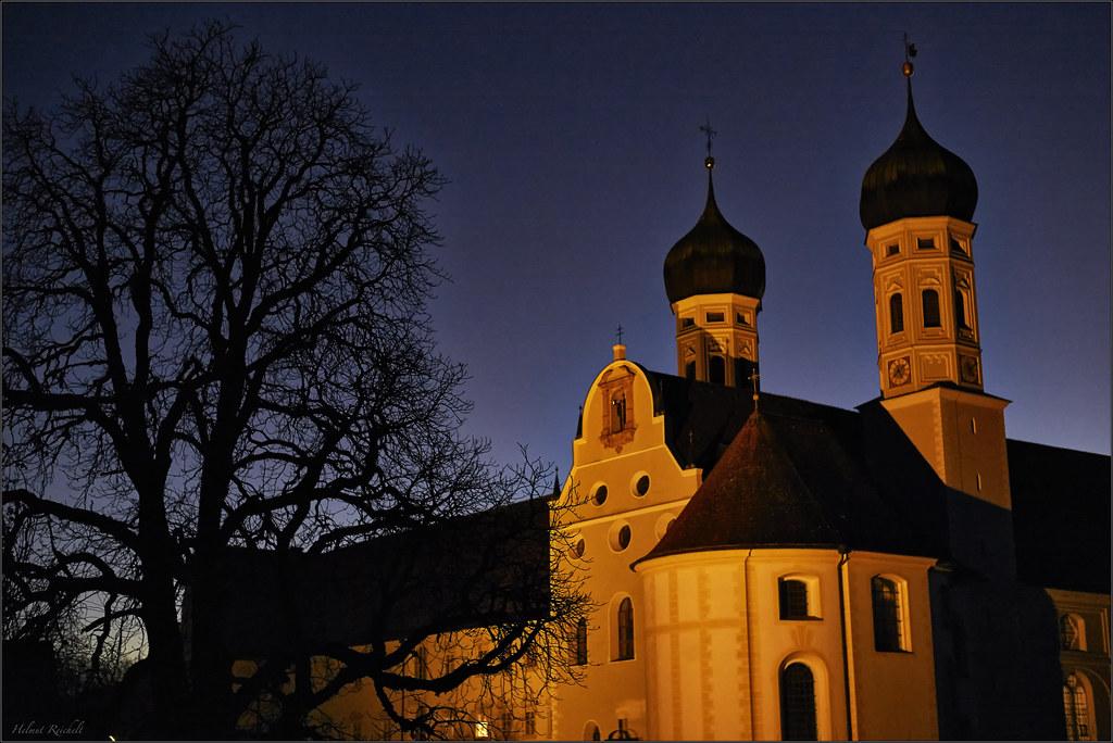 Abends hinterm Kloster