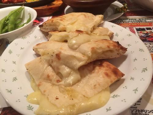 ジャラナ チーズナン