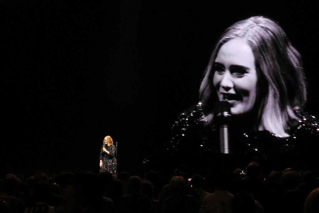 Adele-Live-2016-London-O2-009