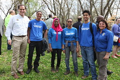 Service Director Dan Ashe and Refuge Chief Cynthia Martinez with Student Conservation Association interns