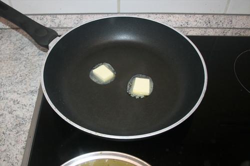 33 - Butter in Pfanne erhitzen / Heat up butter in pan