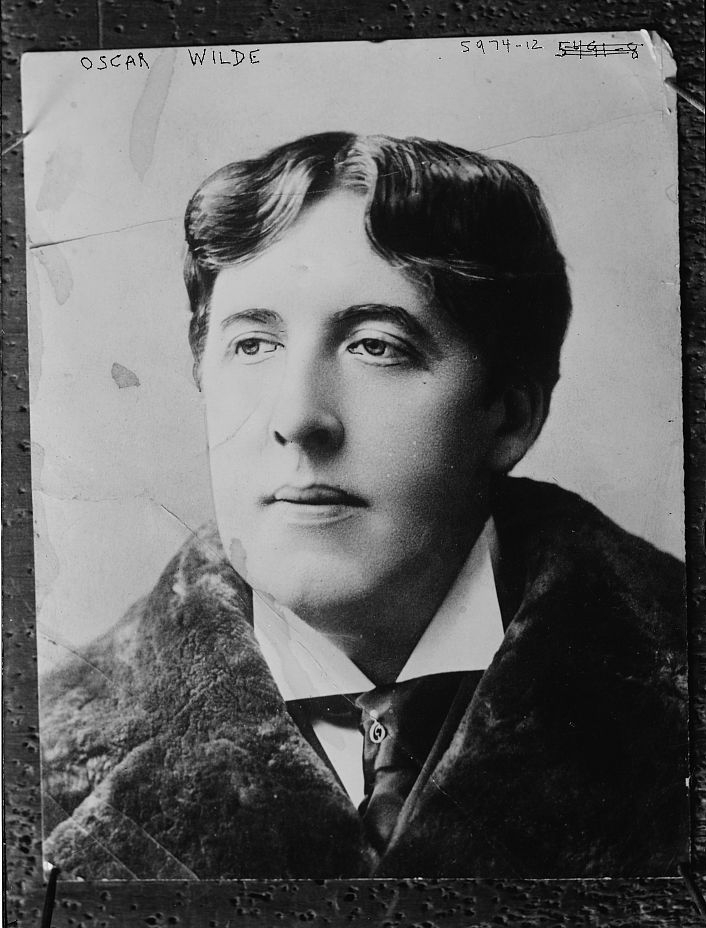 essay on oscar wilde Oscar wilde: essays and lectures table of contents essays and lectures (essays, 1879, 135 pages) this title is not on your bookshelf [add to shelf] (0 / 10 books on .
