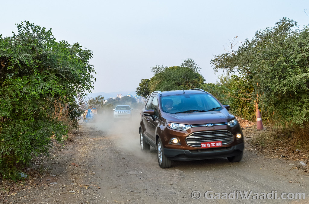 Ford Ecosport vs TUV300-17