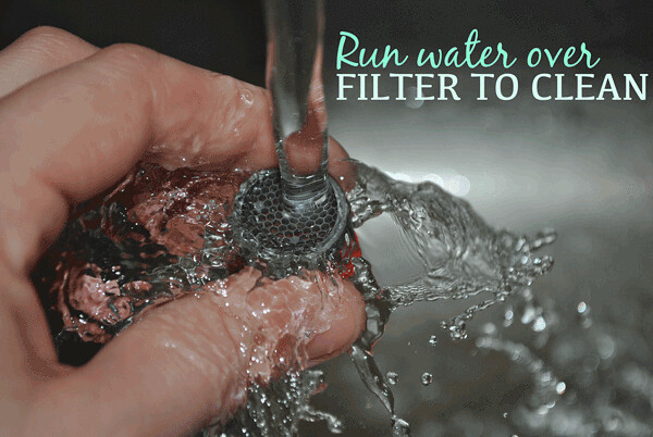 clean-faucet-aerator-filter