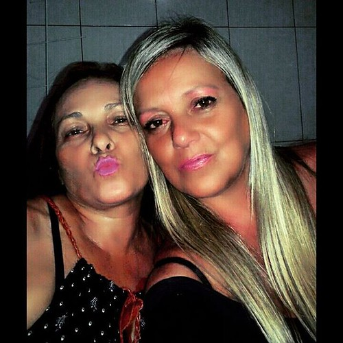 Now! Eu e Cleidinha nos despedindo do último domingo do ano polêmico!!! #Saúde #Fé #amizadeverdadeira