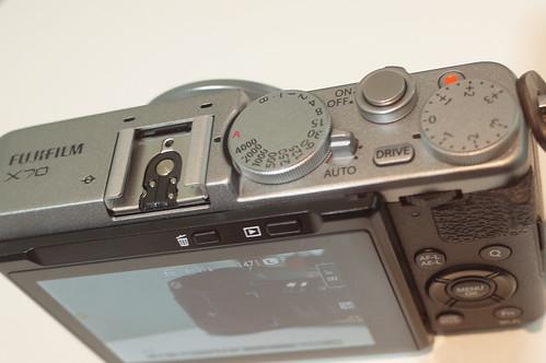 FUJIFILM X70 08