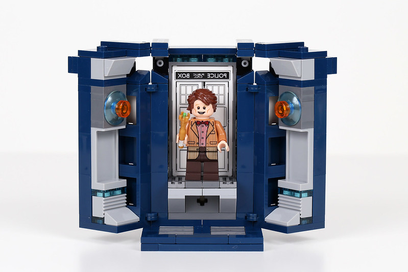 21304 Doctor in the Tardis