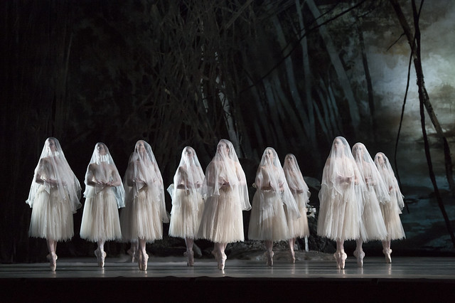 Giselle, The Royal Ballet © ROH/Bill Cooper, 2014