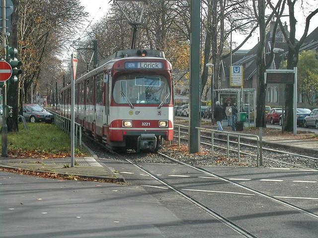 GT8SU Doppeltraktion der Rheinbahn, Nikon E775