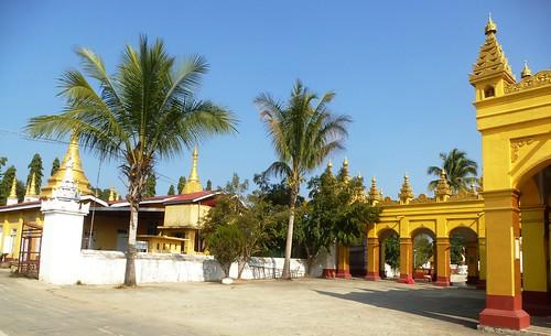 M16-Hsipaw-Temple Mahamyatmuni (11)