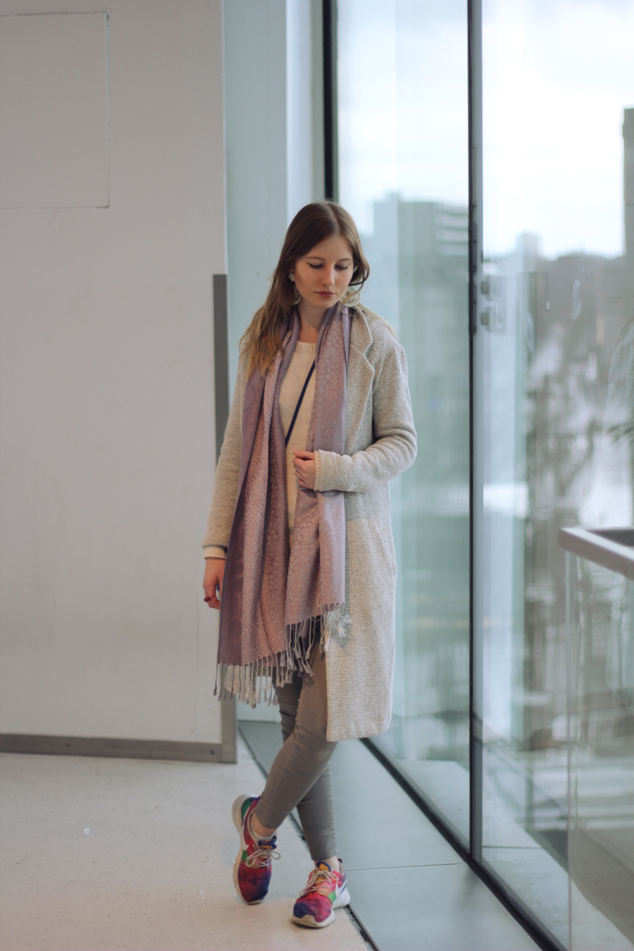 outfit zeil frankfurt city on top view sky nike urban outfitters zara new look blogger fashion