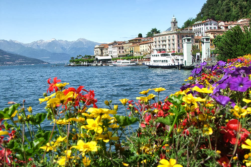 Bellagio - fiori e vista lago
