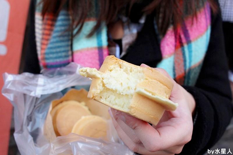 26087259905 bc7e02a01e b - 台中西屯【學甲人車輪餅】酥脆餅皮,實在好料的車輪餅,內餡好吃不甜膩,簡單幸福的下午茶點心