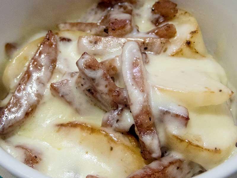 カブとスパムのチーズ炒め
