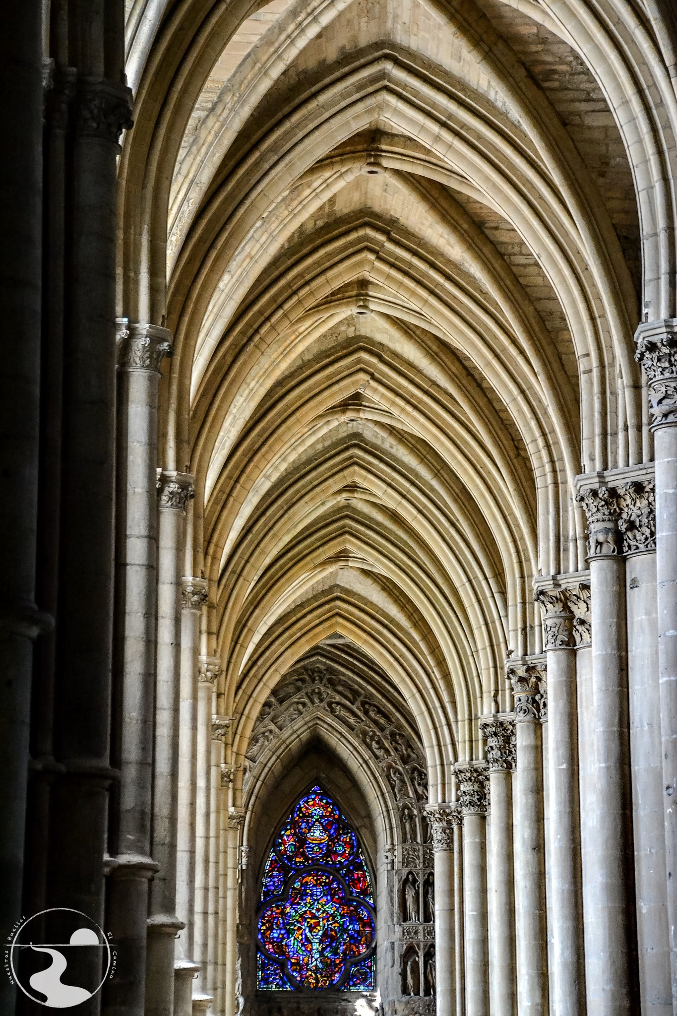 Interior de la catedral de Reims