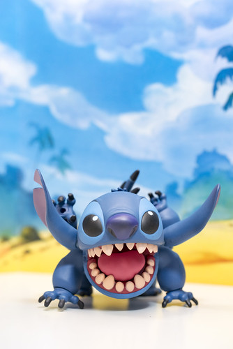MOVIE REVO Stitch