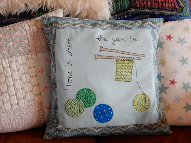 free motion stitched cushion home is where the yarn is (4)
