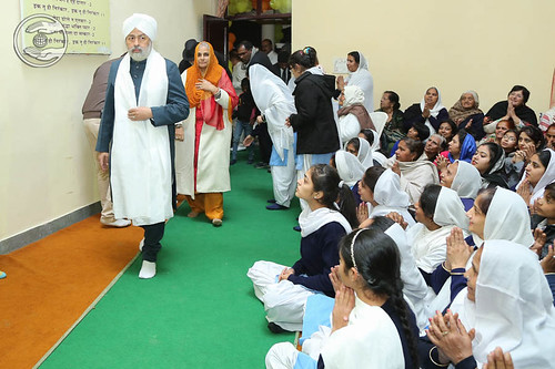 Arrival of His Holiness in Satsang Hall