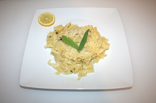 26 - Sage lemon pasta - Served / Salbei-Zitronen-Nudeln - Serviert