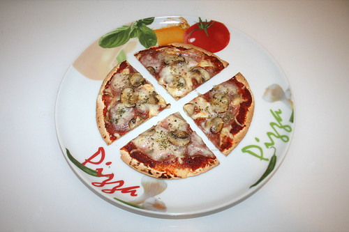 22 - Tortilla-Pizza - Variante 1 - Serviert / Served