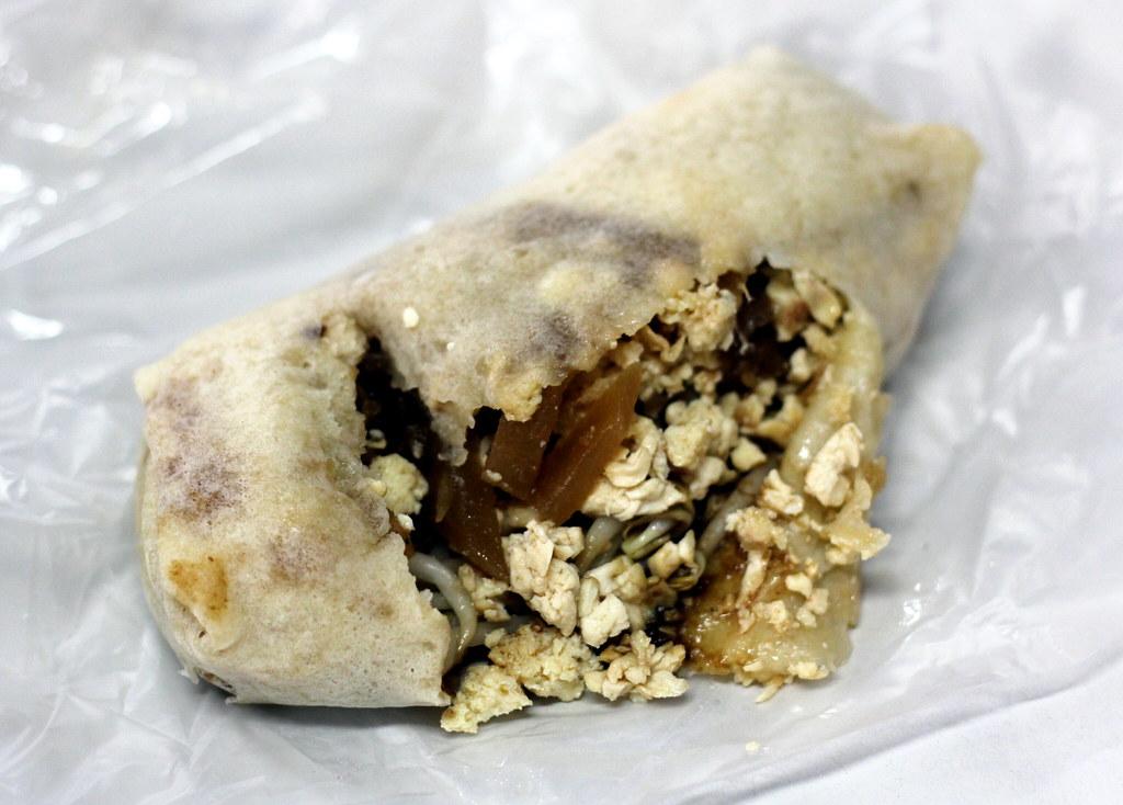 Malacca Food Guide: Bunga Raya Popiah