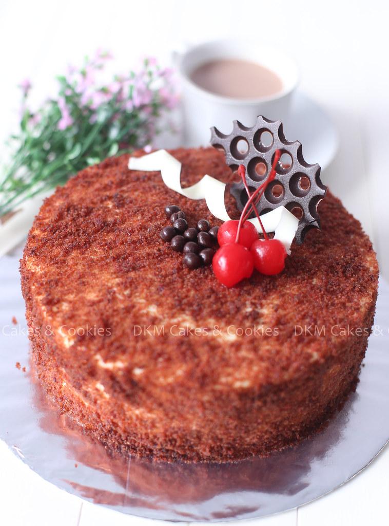 4. Red Velvet Cake DKM Cakes